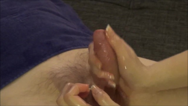 8 Inches Cock – Nailscratching Oily Handjob by a Skilled Massage Lady