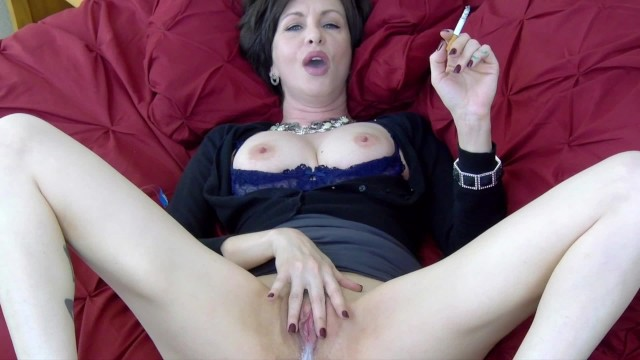 Lick it up while I Smoke – Cuck Hotwife Creampie Cleanup Cigarette Fetish